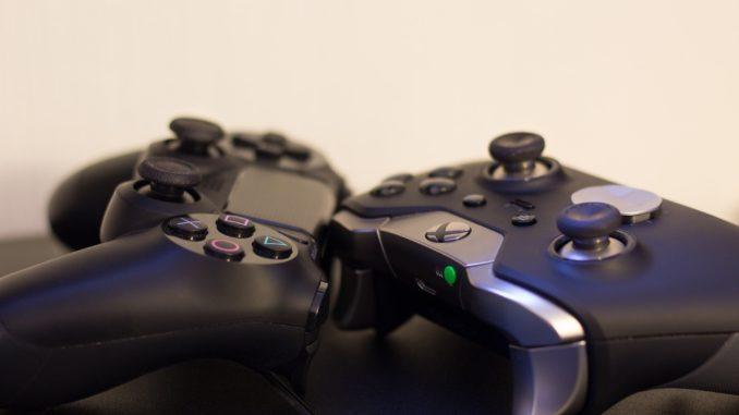 Controller der PS4 und Xbox One für eSports